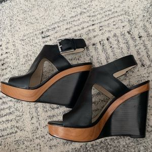 Michael Kors Wedge Leather      7 1/2